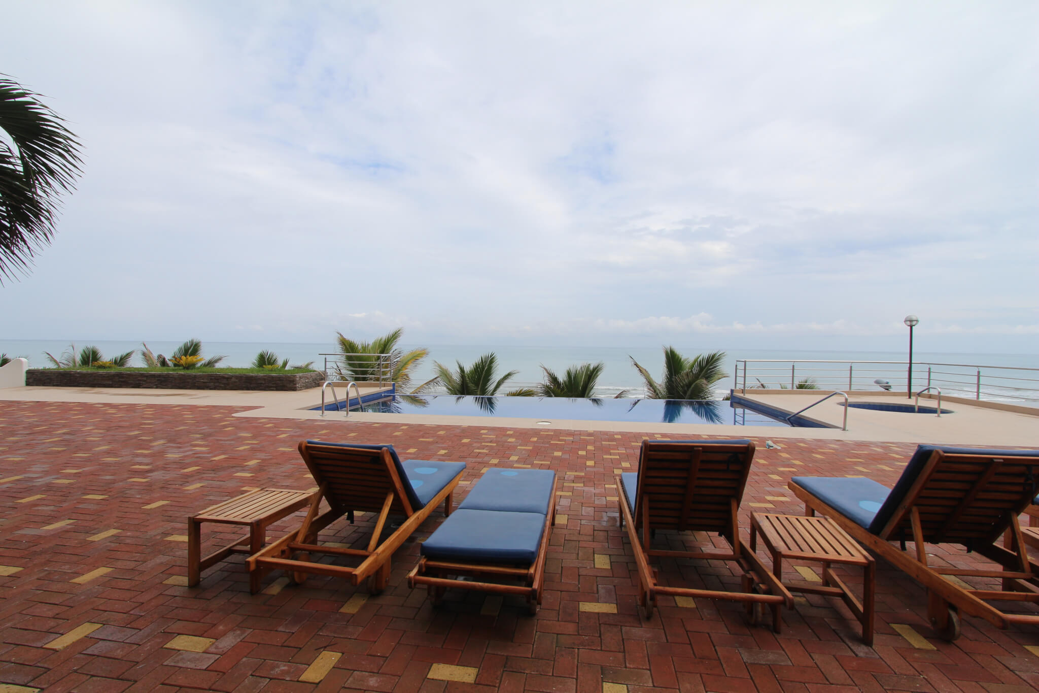 Nice 1 Bedroom Beachfront With Excellent View In Manta Ecuador  # Muebles Cumbaya Ecuador