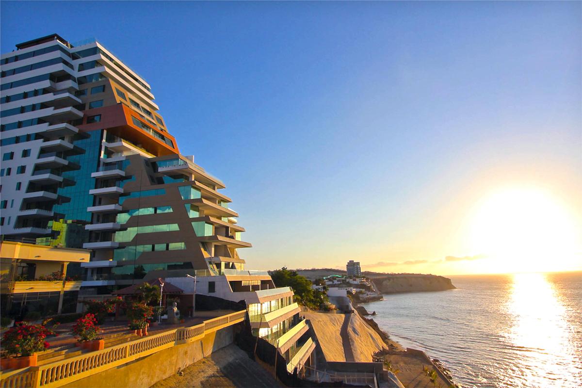 Poseidon Building Manta Ecuador