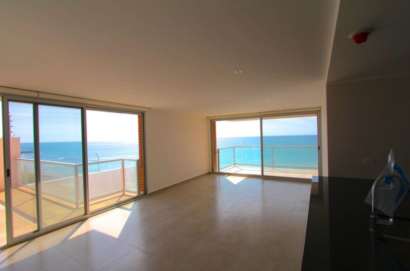 living-room-condo-manta-ecuador-beach-front