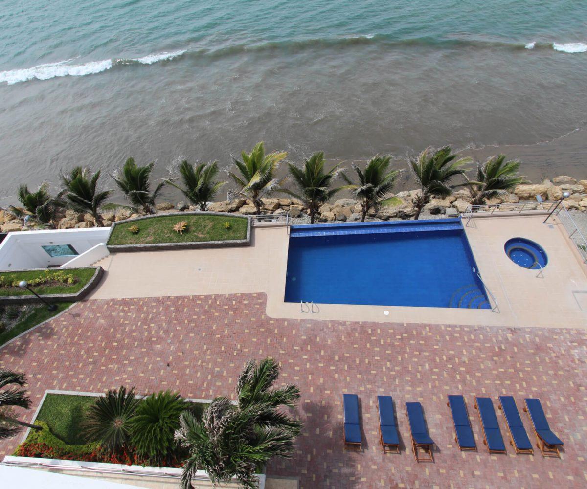 Las Olas Apartment Pool