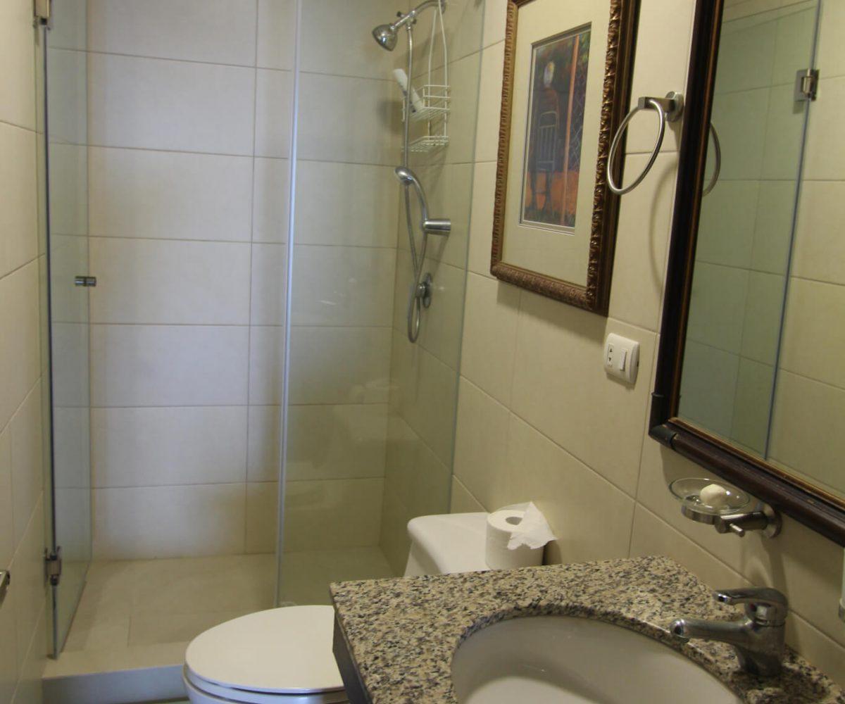 Las Olas Apartment Bathroom 3