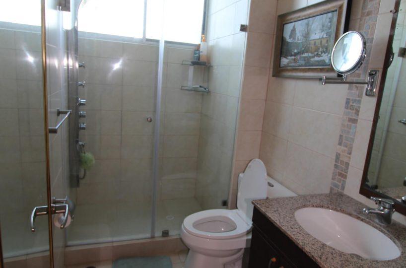 Las Olas Apartment 2 Bathroom