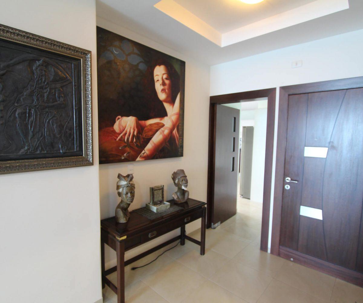 Las Olas Apartment Hall