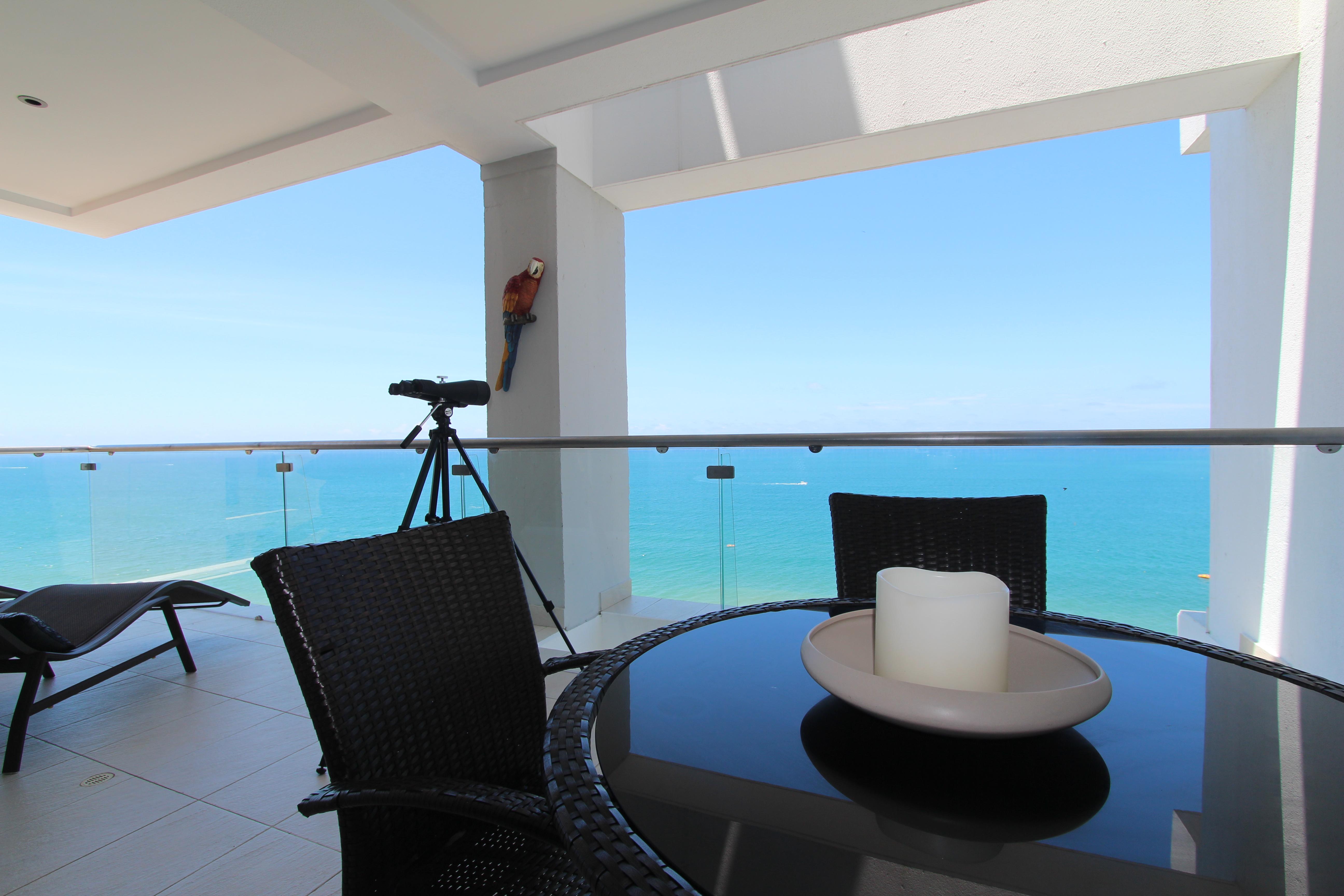 Beautiful Condo Ocean View In Manta With Three Bedrooms Office  # Muebles Cumbaya Ecuador