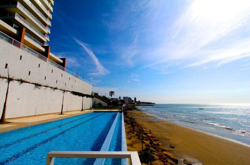 Pool Beach Condo Ecuador